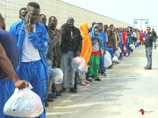 Migranti, arrivi record in Italia nel 2016
