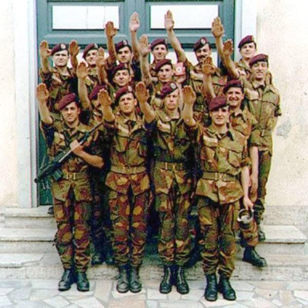 No ai razzisti nell'esercito italiano